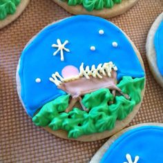 Baby Jesus royal icing sugar cookies HOW BEAUTIFUL!!!! (no sugar desserts buttercream frosting)