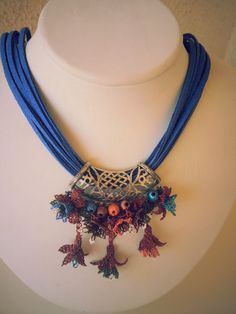 This Pin was discovered by Ayş Lace Jewelry, Textile Jewelry, Shell Jewelry, Fabric Jewelry, Tribal Jewelry, Jewelry Crafts, Jewelery, Crochet Necklace, Beaded Necklace