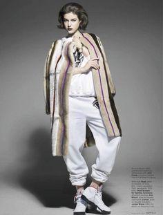 Samira Nasr styles 'Cover Artists' for Elle Magazine, Aug 2013