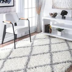nuLOOM Soft and Plush Modern Diamond Trellis Moroccan Lattice Shag White Rug (8' x 10')