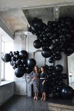 Modern Halloween Decor, Halloween Food For Party, Halloween Birthday, 70th Birthday, Diy Party Decorations, Balloon Decorations, Birthday Decorations, Party Themes, Balloon Backdrop
