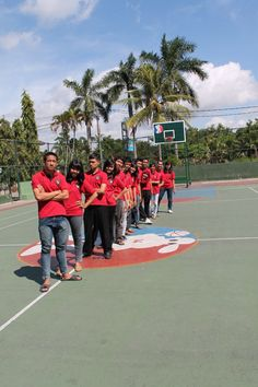 We are marching on a basketball court ^_^