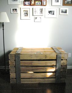 repurposing pallets | Storage trunk made of repurposed pallets by GiveTake on Etsy