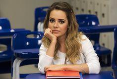 Sandy surpreende fãs com breve 'aula' de português no Twitter