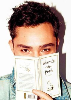 Chuck Bass reading is sexy