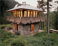Prairie Wind Architecture, Lewistown Montana - like the stone base and upper logs