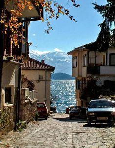 Ohrid, en Macédoine Petite ville située dans le sud du pays, Ohrid est la nouvelle destination que les voyageurs rechignent à partager. Et pour cause...