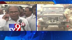Jute Mill workers protest lockout, stage dharna in Vizianagaram