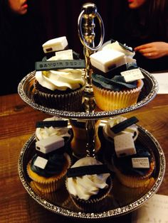 The VIP guests were treated to beautiful cupcakes complete with mini Savoir Beds!
