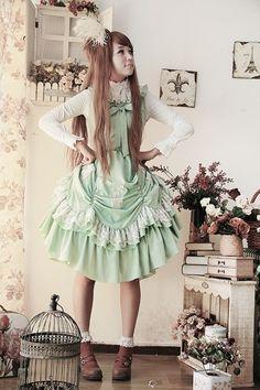Pretty mint long lolita jumper tailored by chiffon, looks very ladylike with a natural downward feeling. Harajuku Fashion, Kawaii Fashion, Lolita Fashion, Cute Fashion, Asian Fashion, Harajuku Style, Estilo Lolita, Visual Kei, Cosplay