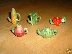 Tiny miniature fruit/vegetable teapot~CORN~ARTICHOKE~LETTUCE~RED ONION~