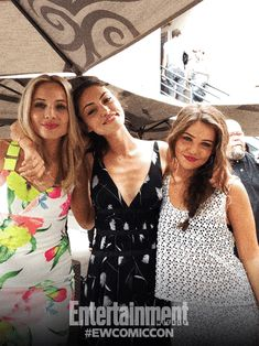 Danielle campbell and phoebe tonkin - photo#12