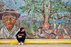 """""""Por los que fueron somos. Este mural lo hicieron en Zacatlan, llevo días hablando de este lugar pero es que es muy especial para mi, como mi abuelo, que nación en ese lugar. Su mamá era indígena zacapoaxtla y su papá un español traido a México desde muy pequeño. Este criollo que solo tuve la oportunidad de pasar tiempo con el los primero 15 años de mi vida, porqué se fue a descubrir nuevos mundos con mi abuelita, mundos que espero me enseñe algun día cuando nos volvamos a encontrar, como…"""