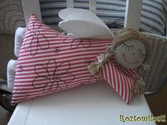 Textiles, Diy And Crafts, Throw Pillows, Dolls, Christmas Ornaments, Holiday Decor, Crochet, Pattern, Angel Wings