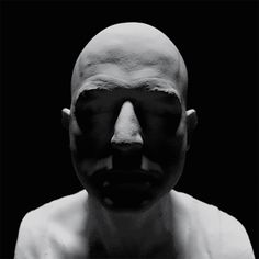 Digital artist Adam Pizurny creates haunting GIFs of human faces using the rendering software 'Blender'. Human Head, Human Faces, Black And White Gif, Gif Collection, Cinemagraph, Optical Illusions, Animated Gif, Creepy Gif, Gifs