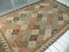 Bazaar Kilim Rug, 120x180cm. 100% Wool. Bazaar Kilim Rug, 120x180cm.100% Wool. http://www.amazon.co.uk/dp/B005K8LJMA/ref=cm_sw_r_pi_dp_U7Knwb186B7D9