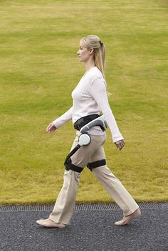 Honda steps forward with walking assist device -