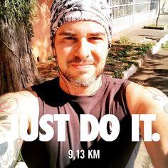 Bom dia pra quem começou o feriado treinando!!! Selfie de fim de treino pra registrar que aqui não tem preguiça! Missão dada é missão cumprida!  #fb #acordapracorrer #focanacorrida #rwbrasil #marcelocamargotreinamento #correrecompartilhar #brasilrunners #runitfast #euatleta #marathon #vccorrendo #corredoresamigos #viciadosemcorridaderua #endorfina #foco #vidadeumcorredor #vidadeatleta