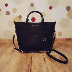 Michael Kors Handbags Outlet $59.99 For Stuff To Buy, 2016 New MK Handbags Big Discount Save 50%, Pls Repin It And Get It Immediately. #Michael #Kors #Handbags