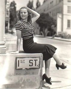 women's fashion of the 1940s - Love everything about this outfit! The skirt and shoes are adorable