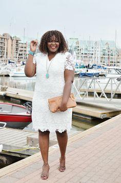 Plus size white lace dress. #plussize #Assacisse #mycurvesandcurls