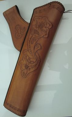 LEATHER HIP QUIVER carved