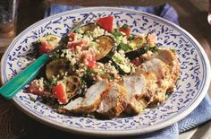 Slimming World's spiced chicken and courgette couscous is a hearty lunch or light dinner that the whole family can enjoy and ready in just 40 minutes Chicken Spices, Chicken Recipes, Garlic Chicken, Healthy Chicken, Chicken And Potato Curry, Zucchini, Couscous Recipes, Ras El Hanout, Cooking Recipes