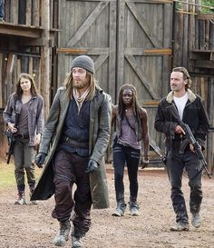 Jesus, Maggie, Michonne & Rick