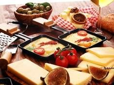 Pikantní fazolový pekáček - | Prostřeno.cz Mozzarella, Dairy, Pizza, Cheese, Pineapple