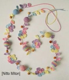 "diy_crafts- ""Another pretty crochet necklace"", ""crochet with pearls"", ""This post was discovered by Mo"" Crochet Flower Patterns, Crochet Art, Thread Crochet, Irish Crochet, Crochet Designs, Crochet Crafts, Crochet Flowers, Crochet Projects, Diy Crafts"