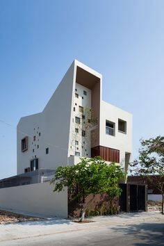 2H House / Truong An architecture + 23o5Studio
