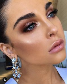 "Can't waittttt! With only a month to go till I kick off with my new Say ""I Do"" bridal makeup masterclass Australian Tour (For Makeup… Kiss Makeup, Glam Makeup, Makeup Inspo, Makeup Inspiration, Beauty Makeup, Hair Makeup, Metallic Eye Makeup, Makeup Glowy, Bronze Eye Makeup"