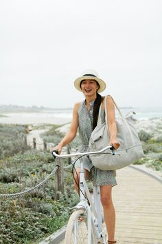 The Catalina (large canvas weekender) in Dove Grey