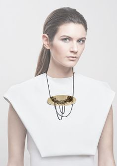 Jasmina Jovy - The chain on the chain ~ WANT!