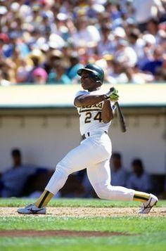 Willie Mays and MLB's 50 Greatest Living Ballplayers Baseball Star, Baseball Boys, Baseball Pictures, Sports Pictures, Mlb Players, Baseball Players, Rickey Henderson, Willie Mays, Perfect Game