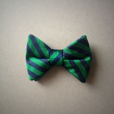 Vintage Silk Navy and Green diagonal stripe for little boys. Clip on closure. For the future Ivy Leaguers. Clip On Bow Ties, Cute Images, Boy Blue, Navy And Green, Green Stripes, Boy Fashion, Little Boys, Preppy, Vintage