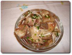 Salada-de-orelha-de-porco http://tachosepanelas.com/petiscos/salada-orelha-porco/