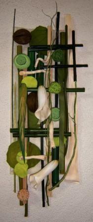 tapiz artesanal con materiales naturales, tratados y coloreados cuadro pequeño  ref. cpn1 telas  fibras naturales,madera tallada  bambu,rattan  troncos  frutos pegado y clavado