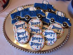 Darlin' Designs: The Little Blue Truck - truck cookies and beep beep cookies: maybe Lizzle could do these for his party! Twin Birthday, 3rd Birthday Parties, Baby Birthday, Birthday Ideas, Birthday Cakes, Truck Cakes, Little Blue Trucks, First Birthdays, Party Ideas