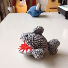 Shark Amigurumi - der gehäkelte Hai by Franziska Zölzer with tutorial