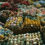 Loved looking at all of the beautiful eggs at the Easter Markets in Vienna! Great memories...