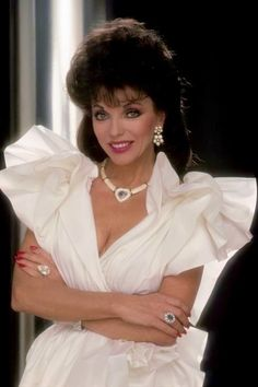 You look so sexy, Joan Collins Dame Joan Collins, Lily Collins, Dynasty Tv Show, Der Denver Clan, Dallas, Hollywood Music, Star Wars, New Wife, Nyc