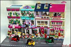 Friends Bricks: MOD-ular houses ~ old and new! Lego Christmas Village, Lego Village, Legos, Chat Origami, Fete Emma, Construction Lego, Van Lego, Lego Friends Sets, Lego Display