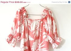 30% OFF SALE pink Hawaiian muumuu / tropical by aLaPlageVintage