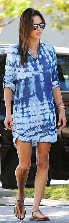 Who made Alessandra Ambrosio's blue tie dye collar dress, jewelry, and tan flat sandals?