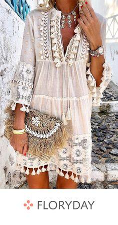 Bohemian Style 467530005068318875 - v neck Boho Chic Dress Women solid tassel summer linen bohemian style dress long sleeve Plus Size hipple Dresses femme Source by Look Hippie Chic, Look Boho, Bohemian Style Dresses, Boho Dress, Chic Dress, Boho Style, Fringe Dress, Bohemian Blouses, Girl Style