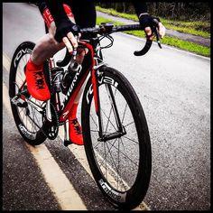 Awesome color combo #cyclinglife #cyclingphotos #cyclingshots #roadcycling #cyclingpics