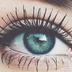 Evaflorparis: Inner beauty is great, BUT a little mascara never hurt. #Eclipsemakeupparis #makeup #blue #selfie