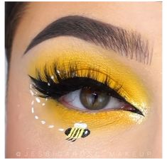 Bee Makeup, Eye Makeup Art, Crazy Makeup, Eyeshadow Makeup, Butterfly Makeup, Yellow Eye Makeup, Halloween Eye Makeup, Creative Makeup Looks, Spring Makeup