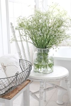Queen Anne's Lace ( by Vibeke Design ) Home Interior, Interior Decorating, Interior Design, White Cottage, Cottage Style, Little White House, Vibeke Design, Farmhouse Chic, Sweet Home